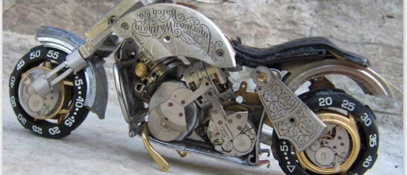Стимпанк миниатюры мотоциклов и гонщиков выполненных из деталей часов