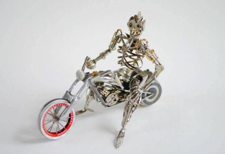 Стимпанк миниатюры мотоциклов и гонщиков