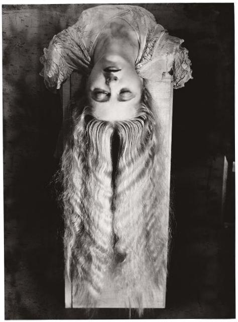 Женщина с длинными волосами - Ман Рэй (1929)