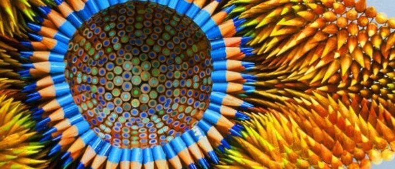 10 cкульптур из цветных карандашей