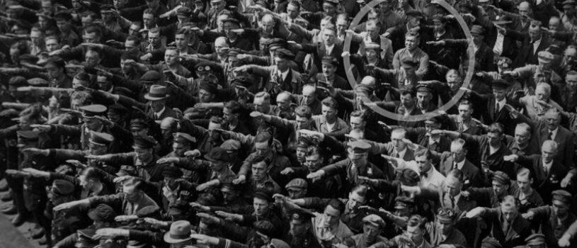 Что стало с рабочим-германцем, не ставшим вскидывать руку в нацистском салюте: мощная история за кадром (1936 год)